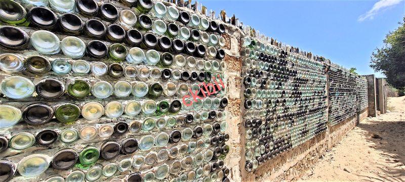 Wall made of Glass bottles in Shela, Lamu- Photo y Caroline Kibii